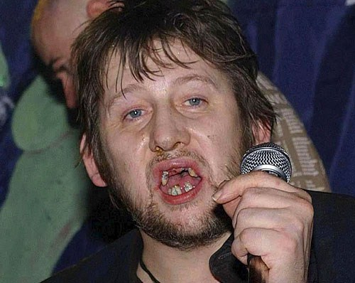 Pogues singer Shane MacGowan gets a full set of new gnashers ...